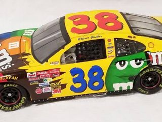 Collectible Die Cast Race Car w  Movable Hood   Trunk   38   M   M s