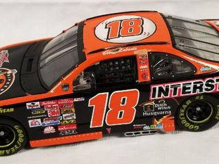 Collectible Die Cast Race Car   18  Interstate Battery  MBNA  Cal Ripkin Jr  Orioles  1981 2001