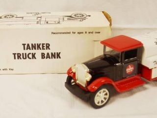 Collectible Kendall Motor Oil  the 2000 Mile Oil  Tanker Truck Bank w  locking Key and Original Box  Die Cast Metal