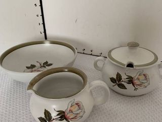 Creamer sugar bowl and bowl