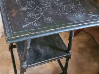 Black etched top table 19 x 19 x27