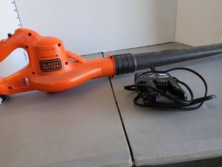 Rechargeable Black and Decker leaf blower