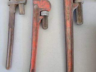 Pipe wrenches  longest is 21 inches