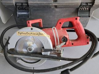 Milwaukee circular saw in case