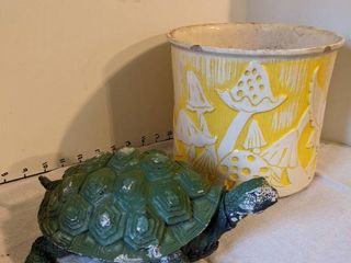 9inch planter and turtle