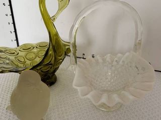 Small glass baskets and bird