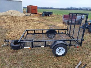 5ft X 8ft Utility Trailer with Ramp   Nice  Very little Use   Uses 1 7 8  Ball
