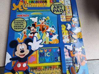 Mickey   Friends Giant Art   Activity