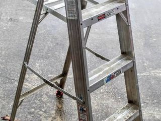 4 Ft Aluminum All American ladder A304 Duty Rating  200lbs