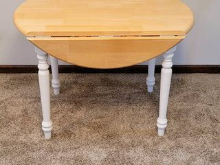 Round Drop leaf Table   Oak   White