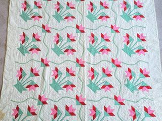 Vintage Antique Tulip Applique Quilt 74 5  x 94