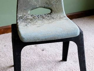 Vintage Child s Chair 22  T