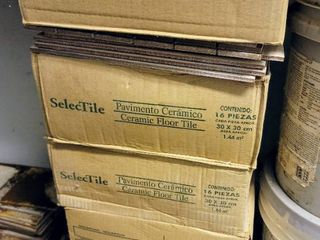 5  Boxes of SelecTile 12  x 12  Tiles   Variety of loose pieces
