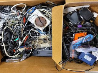 Huge lot of Misc Electronic Items   Cords   phones  Digital Satellite finder  2 way Splitter  Car Chargers  Computer Mouse