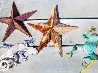 4  Outdoor Metal Wall Art Pieces   Stars  Gecko   Frog