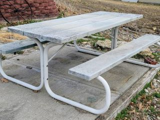 6  Outdoor Picnic Table