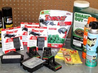 Tom Cat  Snake Out  Raid and more  Huge lot of Pest Control Items