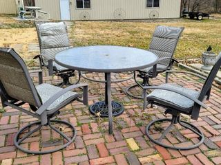 Patio Table Set with  4  Swivel Chairs  Decorative Umbrella base   Patio Umbrella
