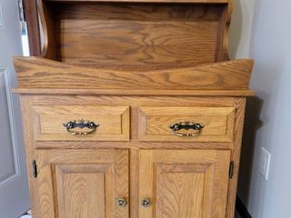Solid Wood Dry Sink Cabinet Server   Excellent Condition