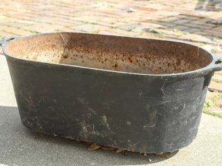 Cast Iron Garden Tub Planter 25  l x 10  W