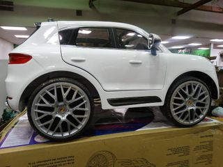 Porsche Macan Turbo 6 Volt Ride On Car  In Working Condition