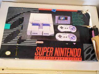 Vintage Original Super Nintendo with ORIGINAl BOX  Contains Super Nintendo  2 Controllers  Power Cords  amp  Super Mario Game  Tested