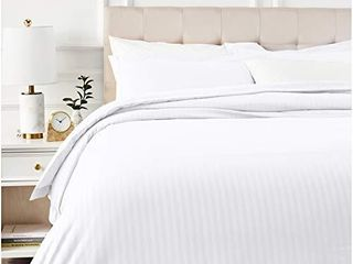 Amazon Basics Deluxe Striped Microfiber Duvet Cover Set   Full or Queen  Bright White