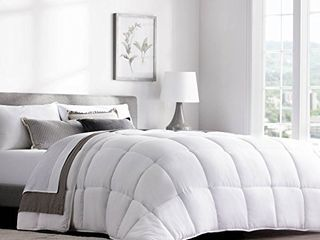 WEEKENDER Hypoallergenic Quilted Down Alternative Hotel Style Use Insert or Stand Alone Comforter for All Seasons Corner Duvet Tabs  Queen  Classic White