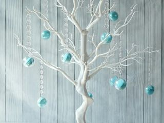 White Centerpiece Tree