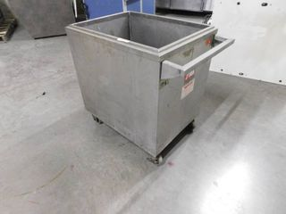 Insulated Cart box On Casters