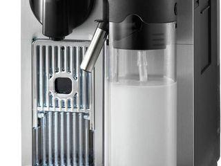 De longhi Nespresso lattissima Pro Espresso Cappuccino Machine   Silver EN750MB  light Silver