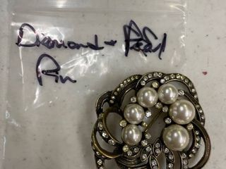 Costume diamond and pearl pin