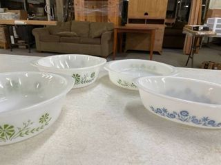 3 1960 s Glass Bake Casserole Dishes in Green Daisy   Bonus Dish in Blue