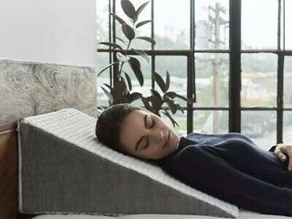 Brentwood Home Whitney 10  luxurious Wedge Pillow W Cooling Gel Memory Foam Nob