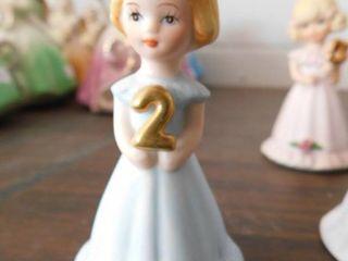 Growing up Birthday girls statue 2