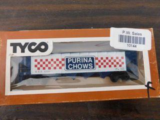 Tyco HO train car   Purina chows hopper car