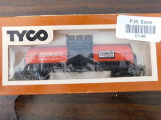 Tyco HO train car   Hooker tanker
