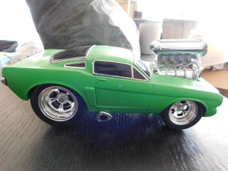 1 18 scale Muscle Machine 2000 funline   mustang