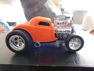 1 18 scale Muscle Machine 2002 funline   ford coupe