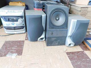 Kenwood shelf stereo