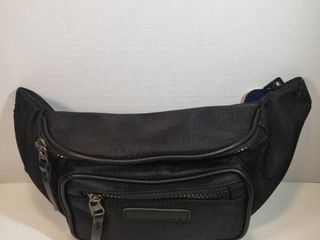 George Adjustable Waist Strap  39 in   56 in  2 Zipper Compartments Black