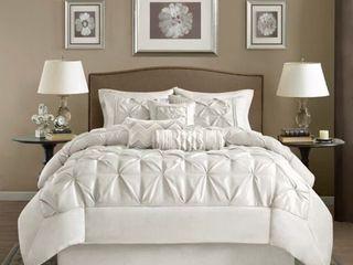 Madison Park lafayette White 7 piece Comforter Set   Queen