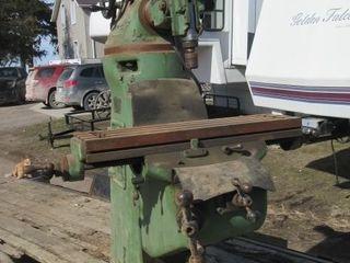 BRIDGEPORT MIllING MACHINE   GREEN
