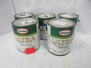 4 CANS lATEX PAINT   GlIDDEN