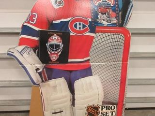 CARD BOARD PATRICK ROY   SIGNED