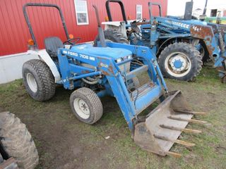 FORD 7108 lOADER TRACTOR   4 x 4  DIESEl