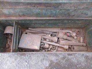METAl TOOl BOX W  CONTENTS