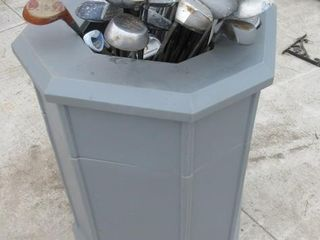 CONTAINER W  GOlF ClUBS