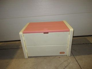 TOY BOX   lITTlE TYKES  WHITE PINK