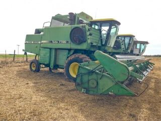 John Deere 7720 Turbo Combine w  224 header